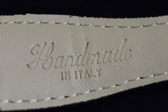 ベルト裏のHandmade IN ITALYの表記