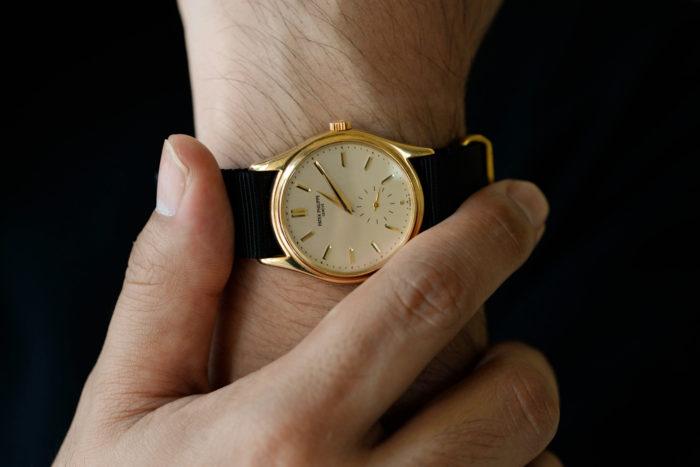 オフィシャルな場面で悩まない腕時計