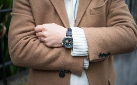 村松さんの腕時計はハミルトンのETO