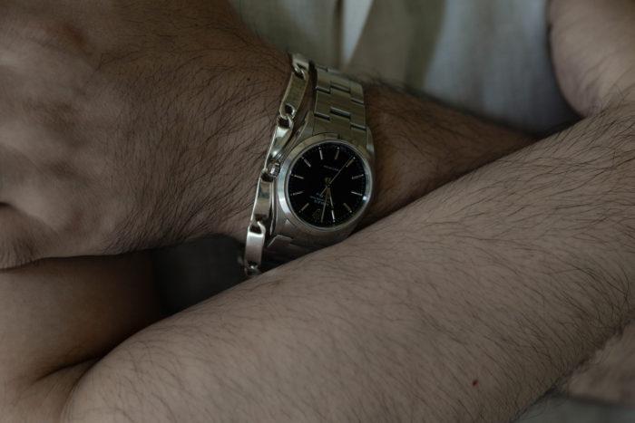 本郷さんの腕時計はロレックスのエアキング
