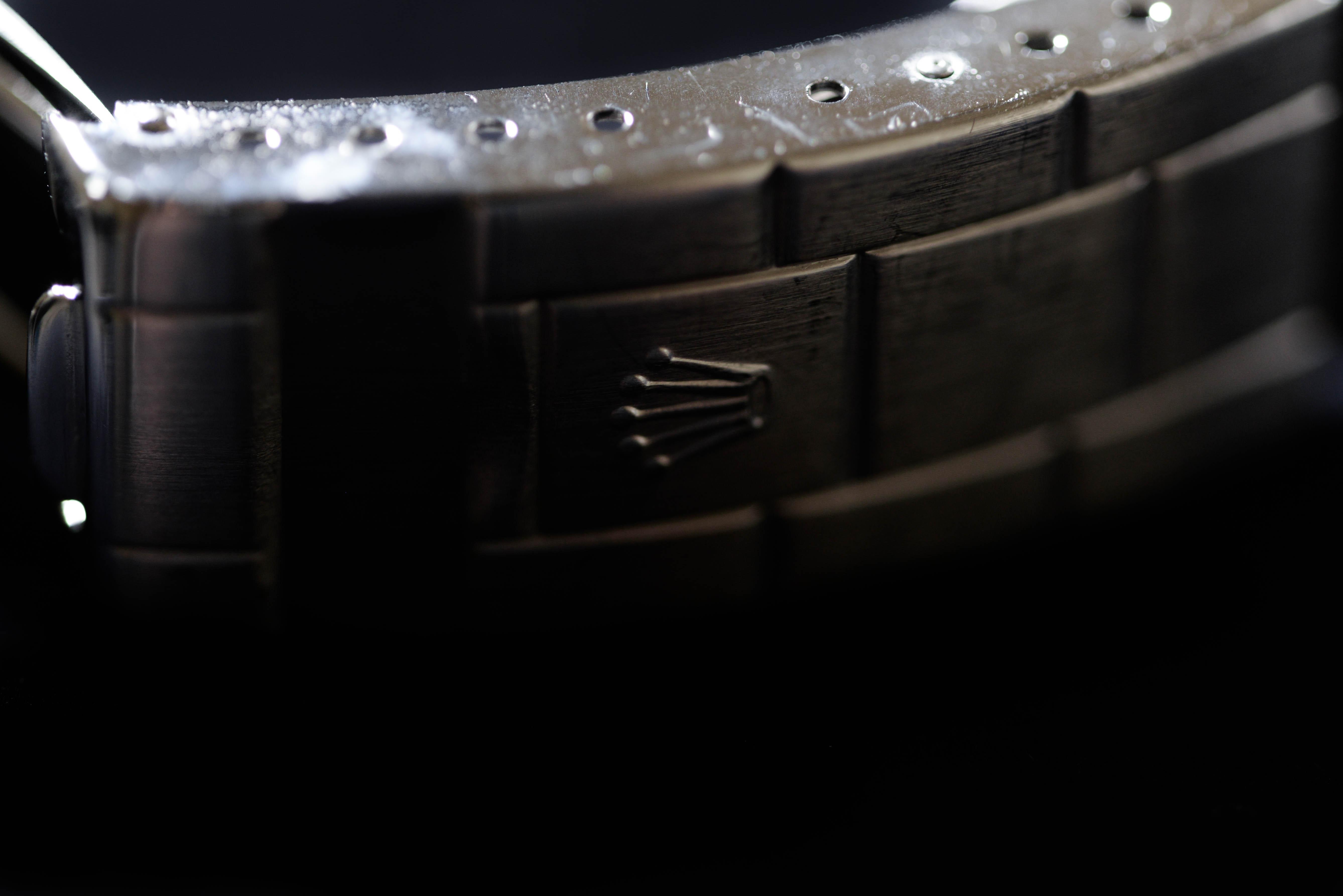 バックルにあるロレックスのロゴ1