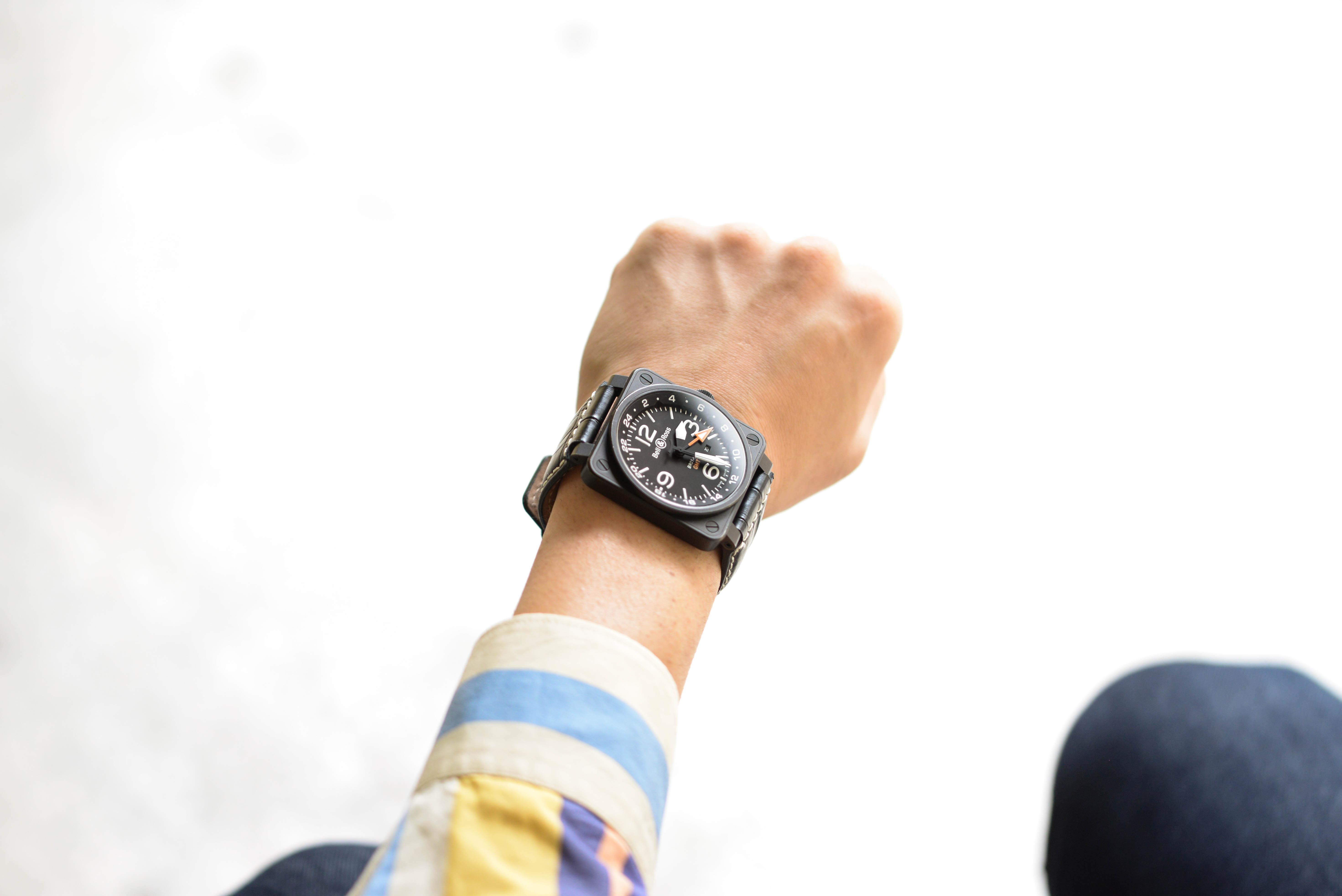 ベル&ロス Ref.BR01-93 GMT-Rを着用する西岡さん画像3