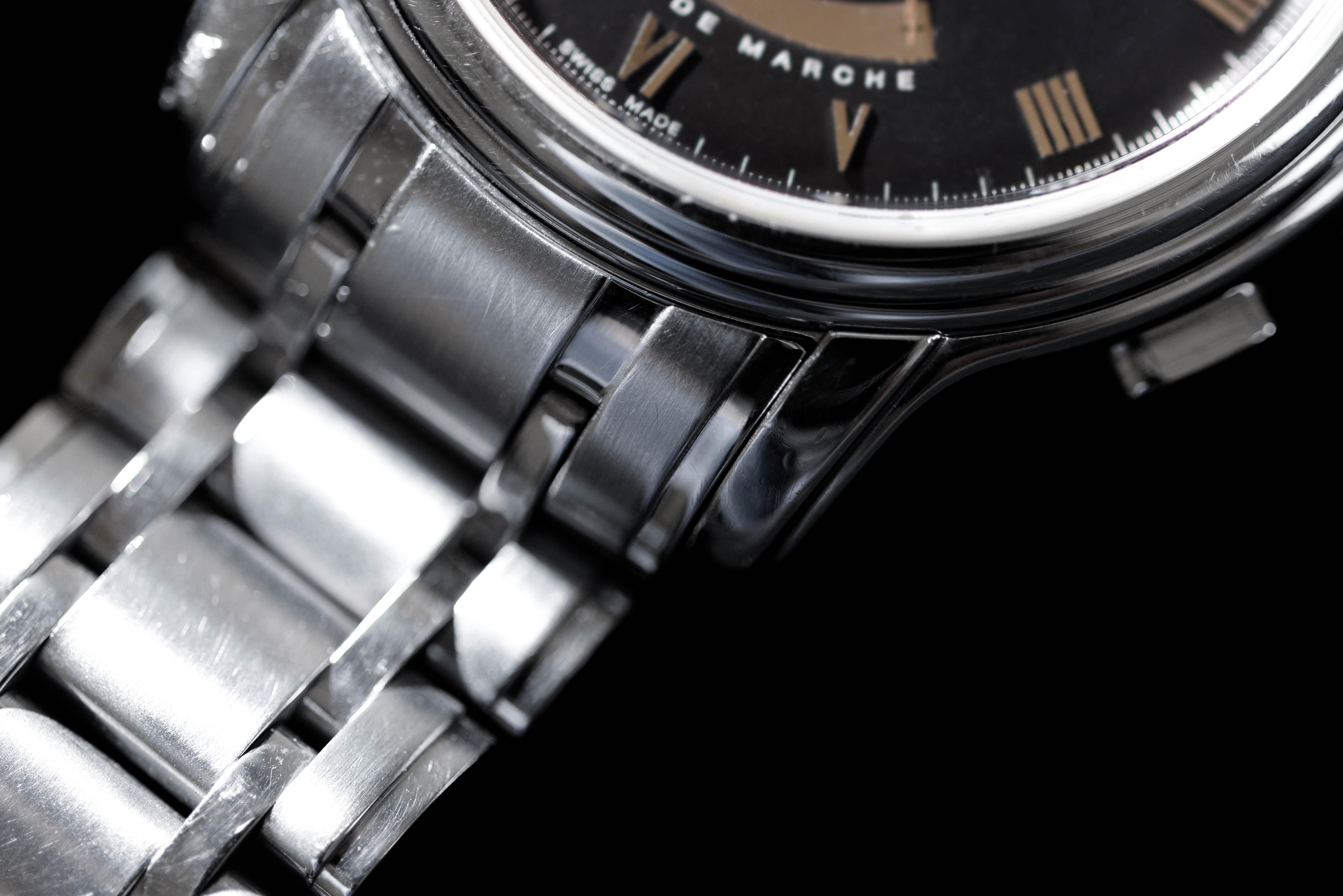 結婚すると気軽に腕時計を購入できない