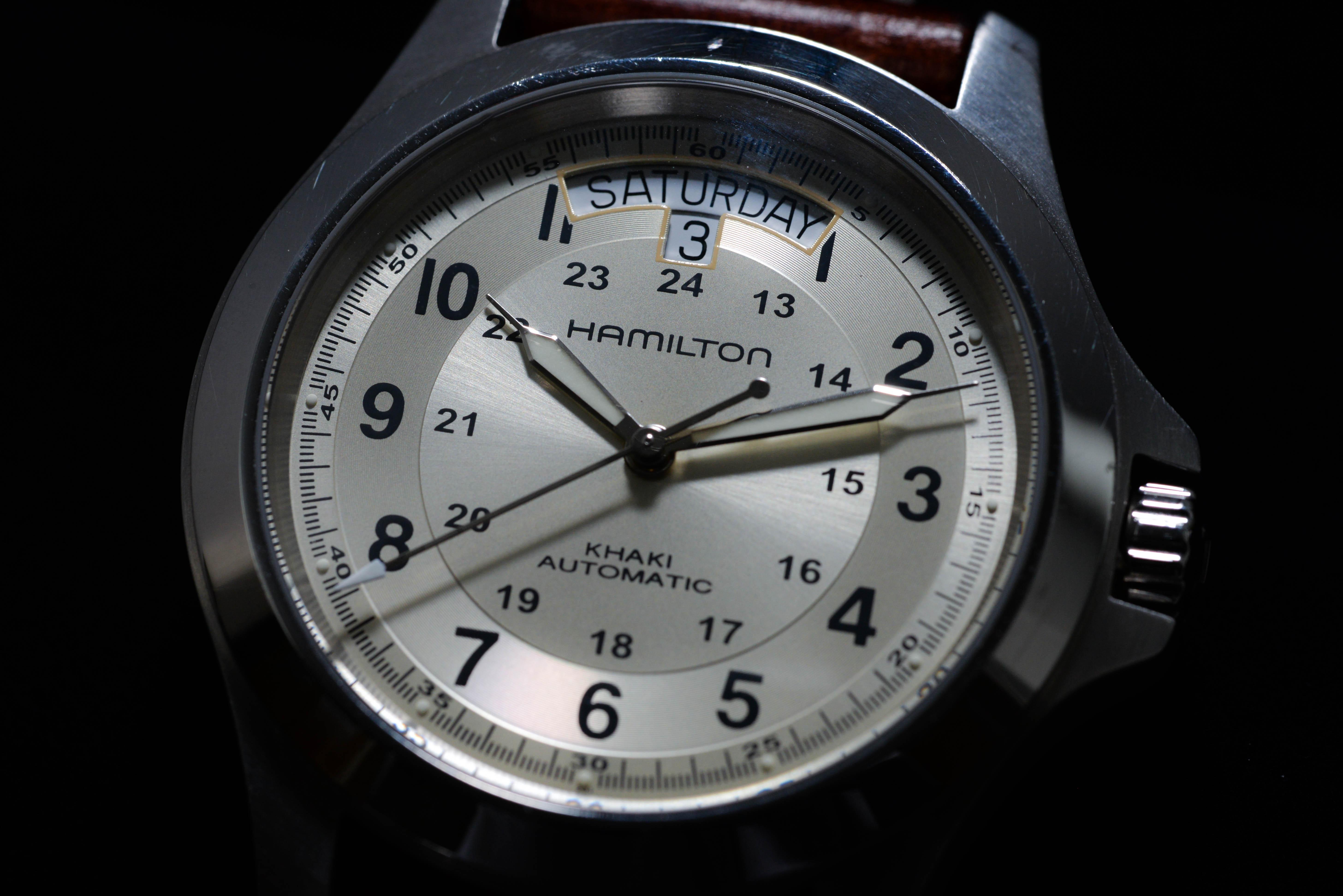 斎藤雄大さんの腕時計はハミルトン カーキ キング オート Ref.H64455523