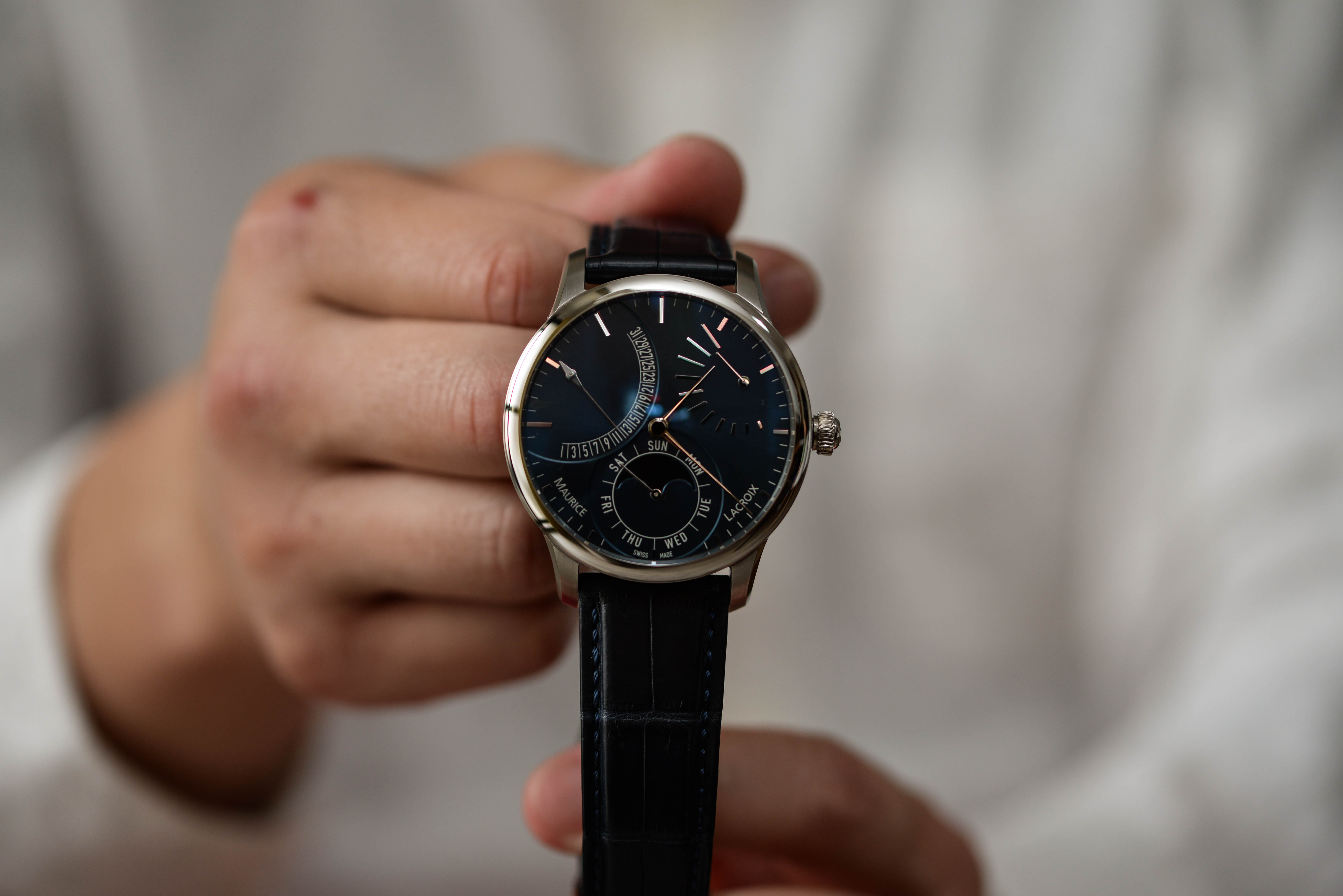人と違う腕時計