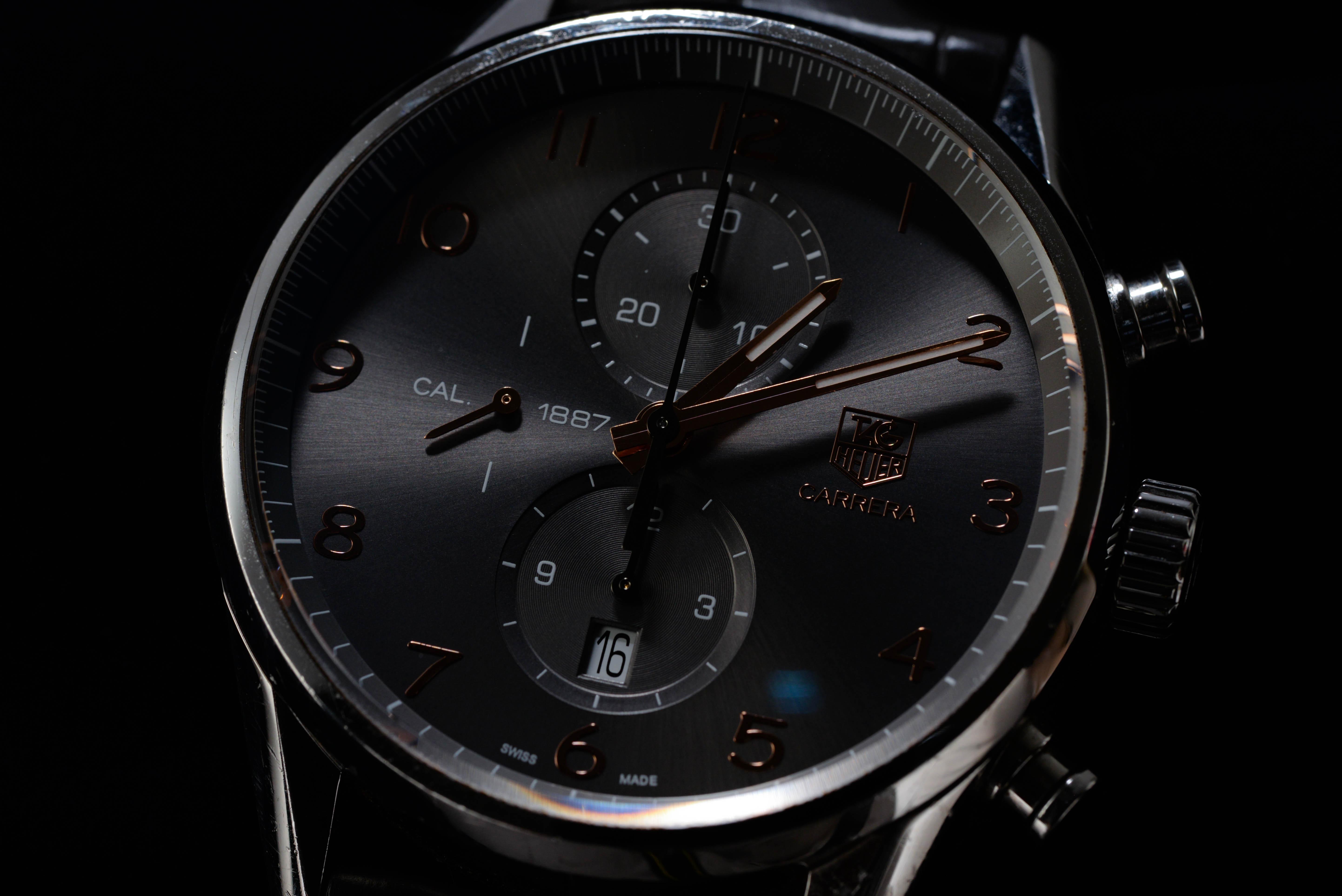 西さんの腕時計はタグ・ホイヤー カレラ クロノグラフ キャリバー1887 Ref.CAR2013.BA0799