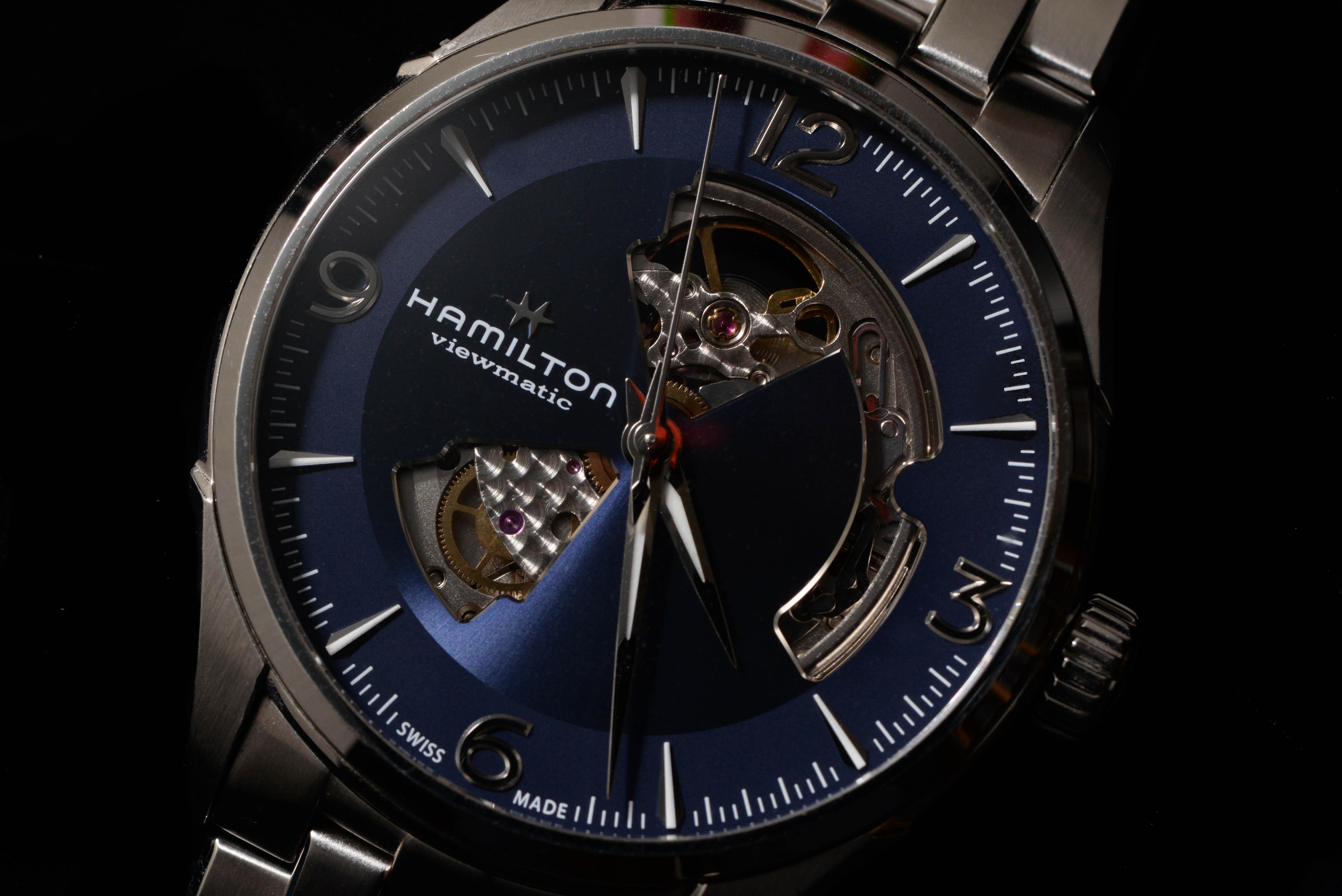 石踊さんの腕時計はハミルトン ジャズマスター オープンハート オート Ref.H32705141