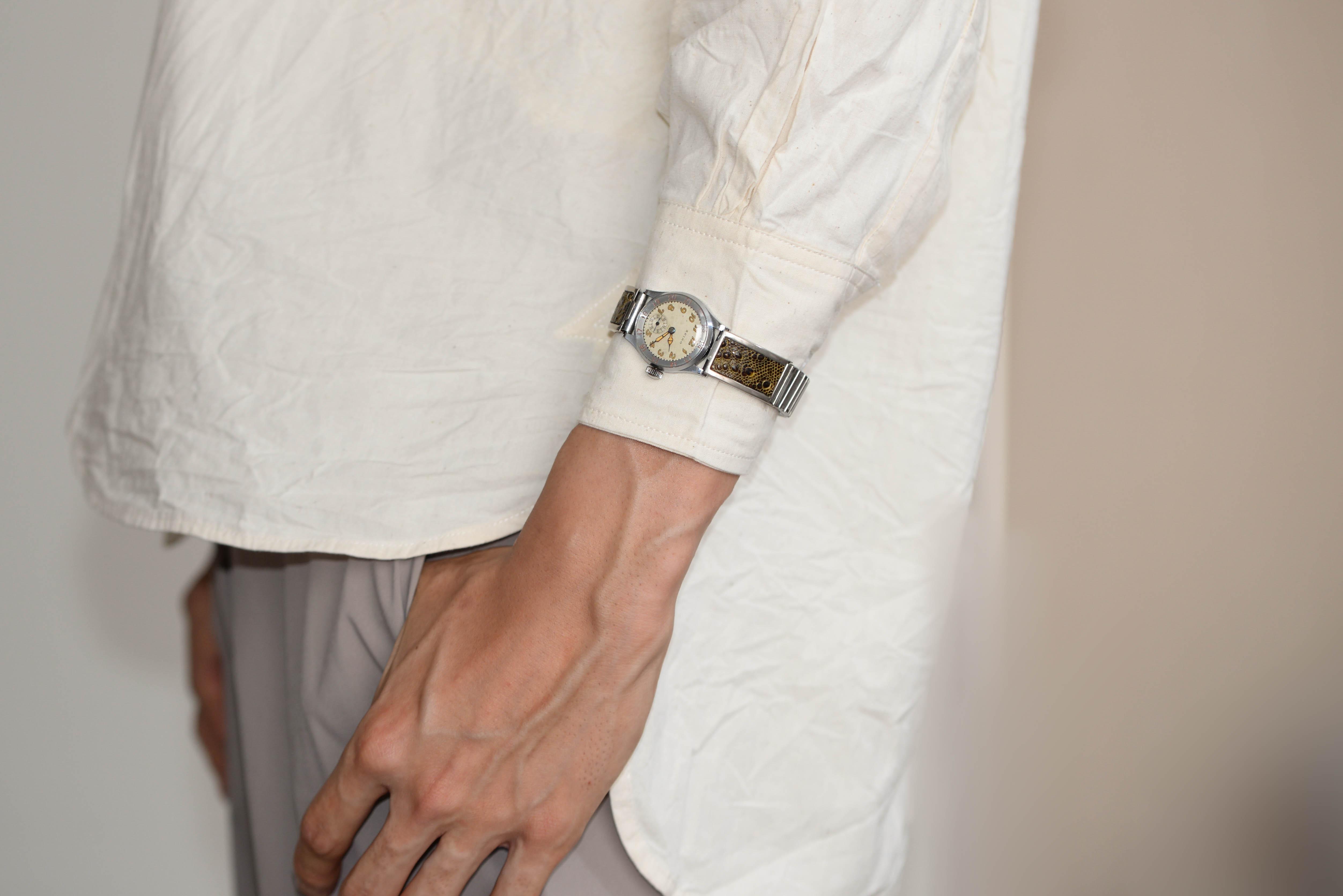 ミリタリー物の腕時計に興味がありました